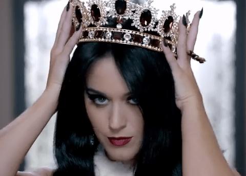 Katy Perry to release new single Roar a week earlier than planned