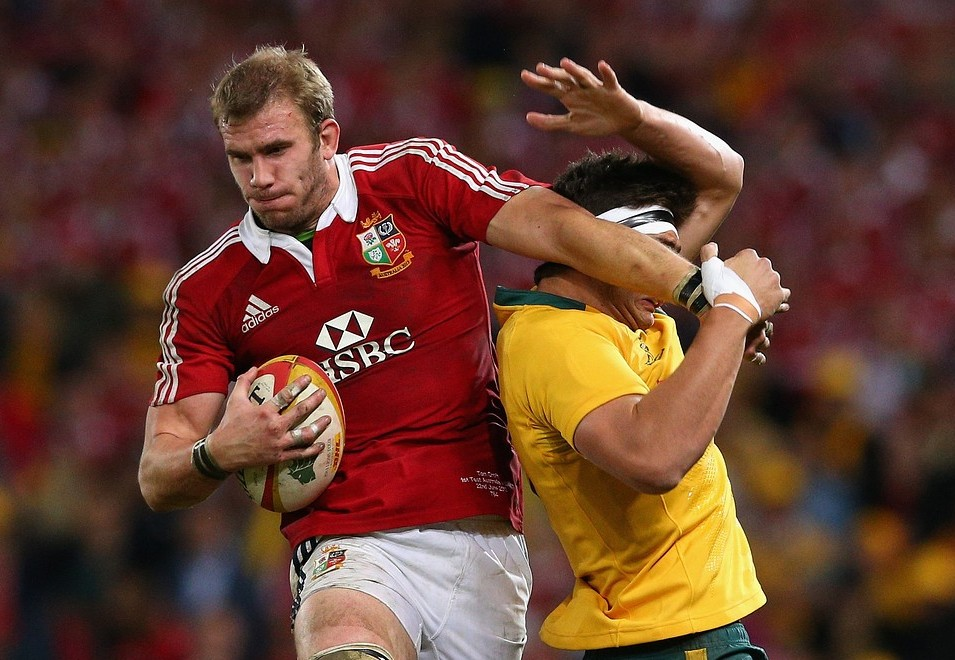 BRISBANE, AUSTRALIA - JUNE 22:  Tom Croft of the Lions takes a lineout ball over Rob Simmons of the Wallabies during the First Test match between the Australian Wallabies and the British & Irish Lions at Suncorp Stadium on June 22, 2013 in Brisbane, Australia. Getty Images