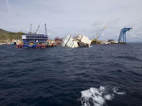Italian authorities prepare for Costa Concordia salvage