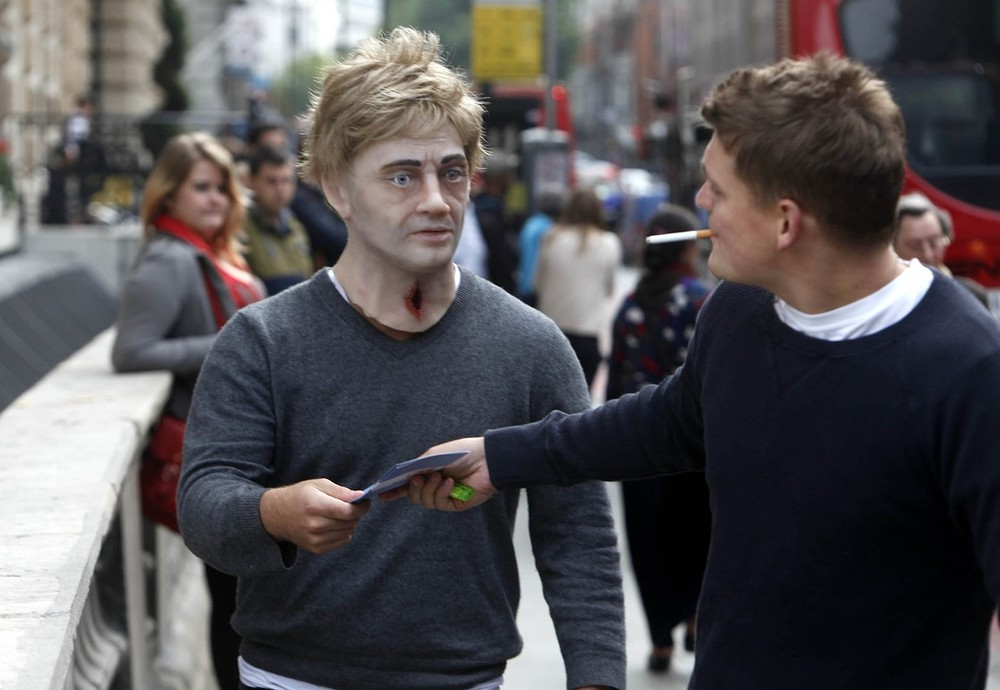 'Zombies' lumber through London to warn smokers of dangers of tobacco