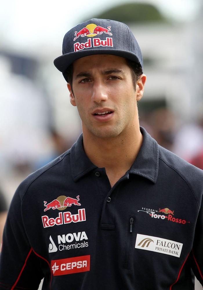 Red Bull name Daniel Ricciardo as Mark Webber's replacement for next season