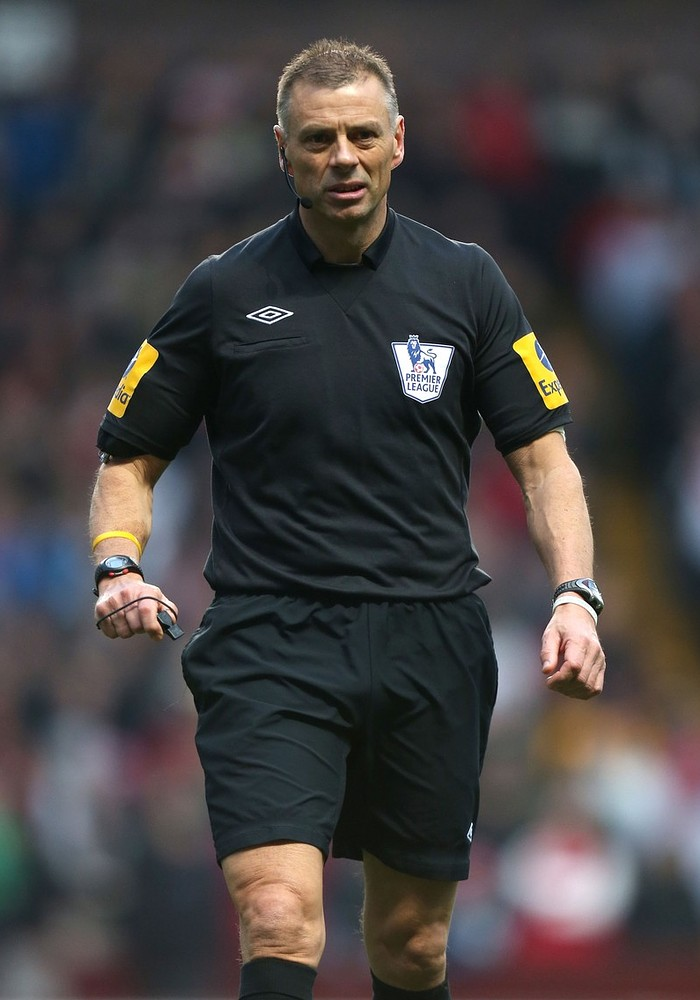 Premier League referees warned after Mark Halsey claims texting Sir Alex Ferguson was normal