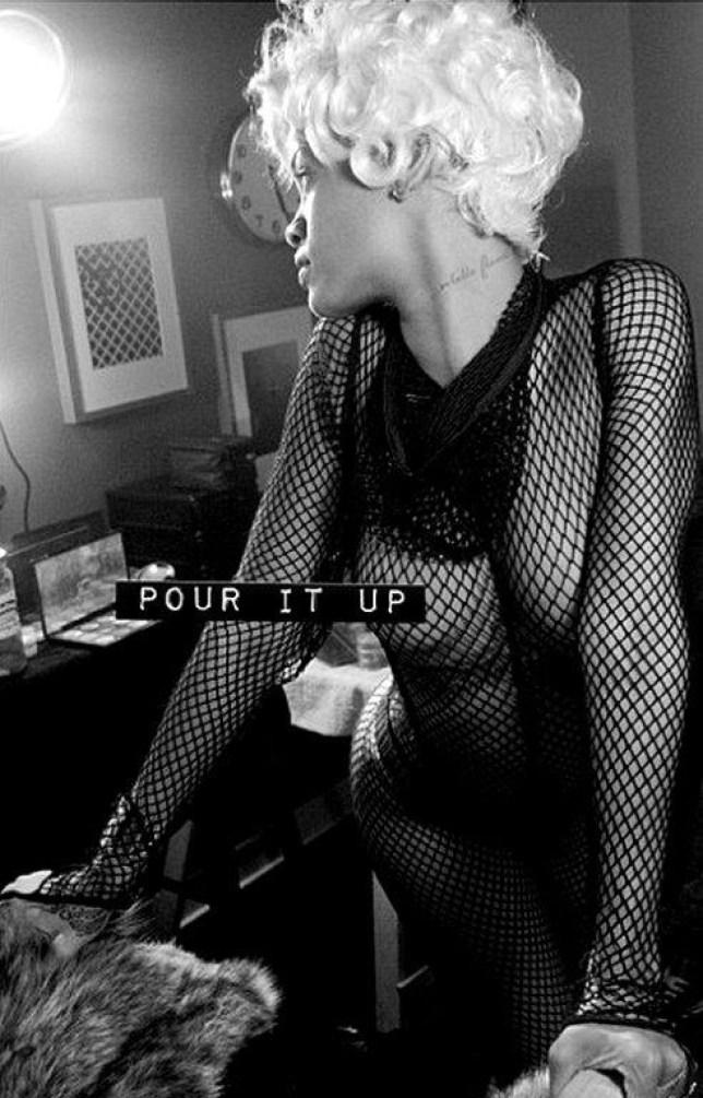 Robyn Rihanna Fenty | Rihanna bikini, Bikinis, Rihanna body