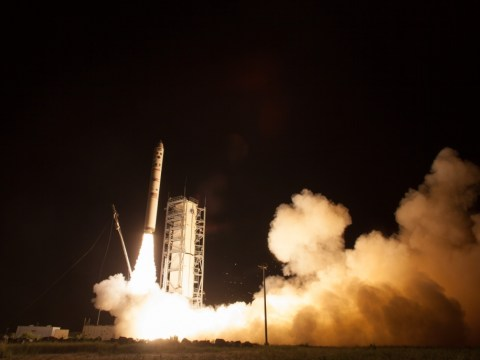 Nasa's latest mission LADEE torpedoes into space to dispel Moon's mysteries