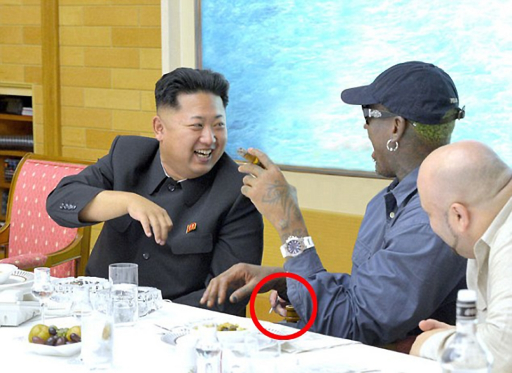 Does 'mystery third hand' show North Korea photoshopped interpreter out of Dennis Rodman picture?