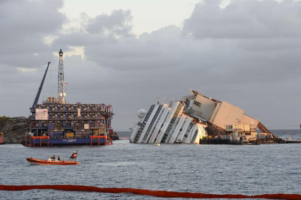 Gallery: Costa Concordia salvage operation begins