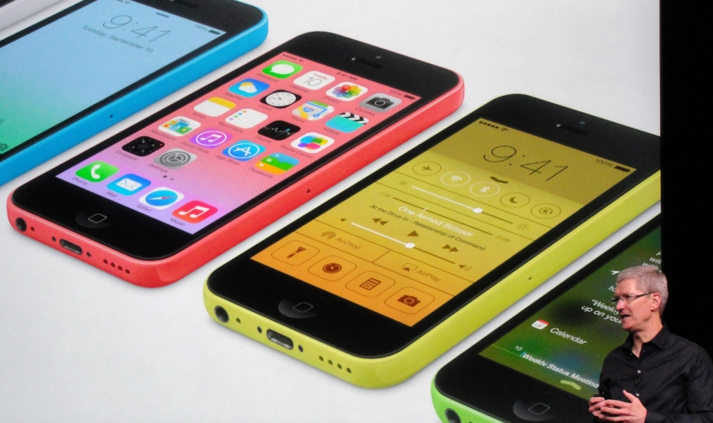 Apple iOS 7 proves sweet but rotten to download