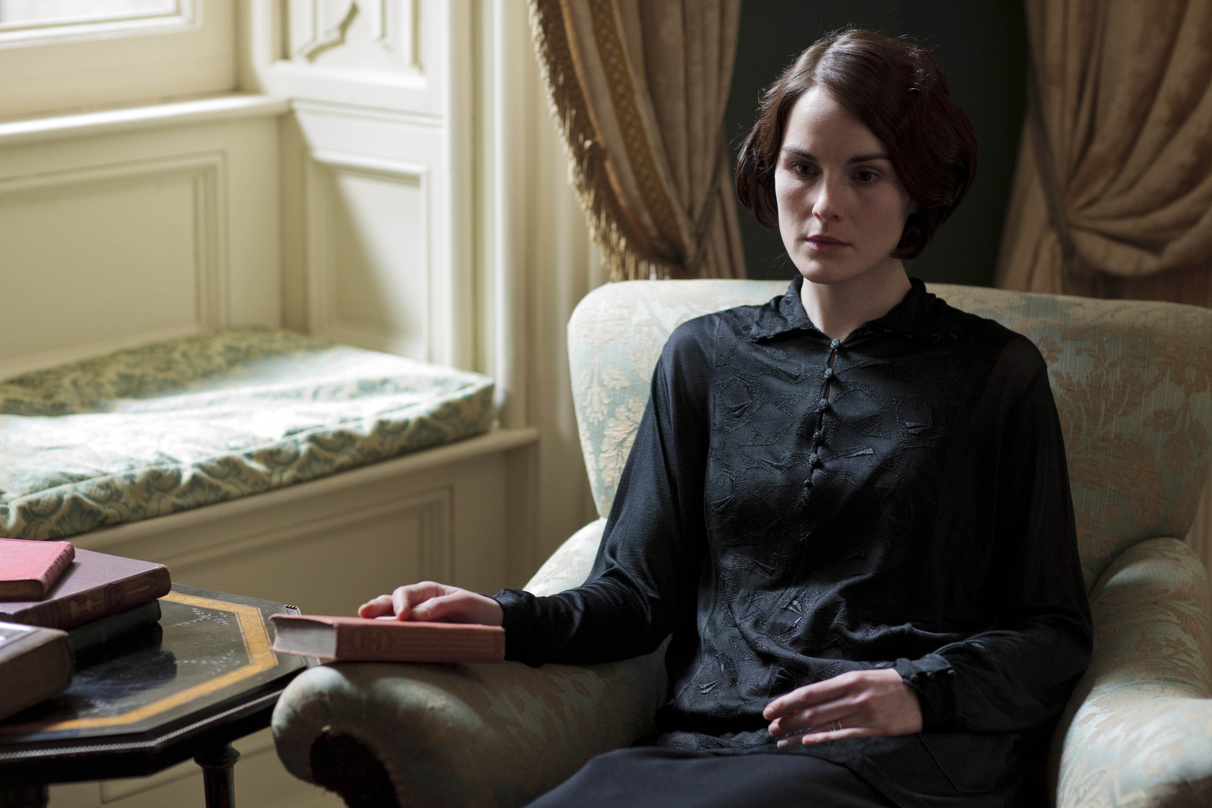 Downton Abbey series 4, episode 1- Lady Mary grieves, Thomas schemes and Daisy makes a mousse