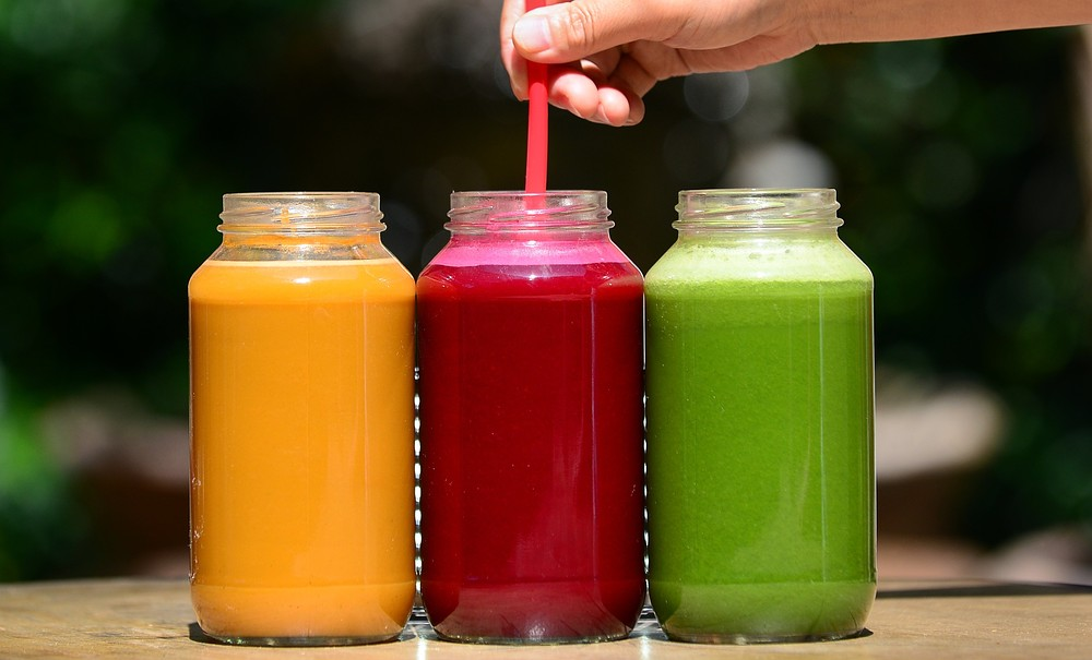 Juice yourself fit, healthy and slim: How juicing can help with weight loss, detoxing and leading a healthy lifestyle