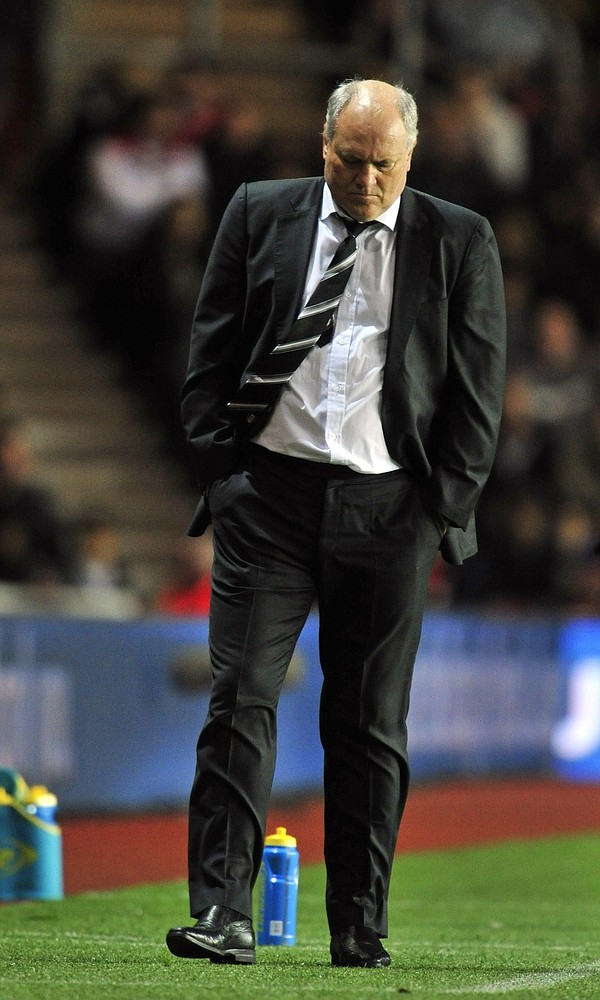 Fulham chairman seems content with failure but fans are not – time to sack Martin Jol