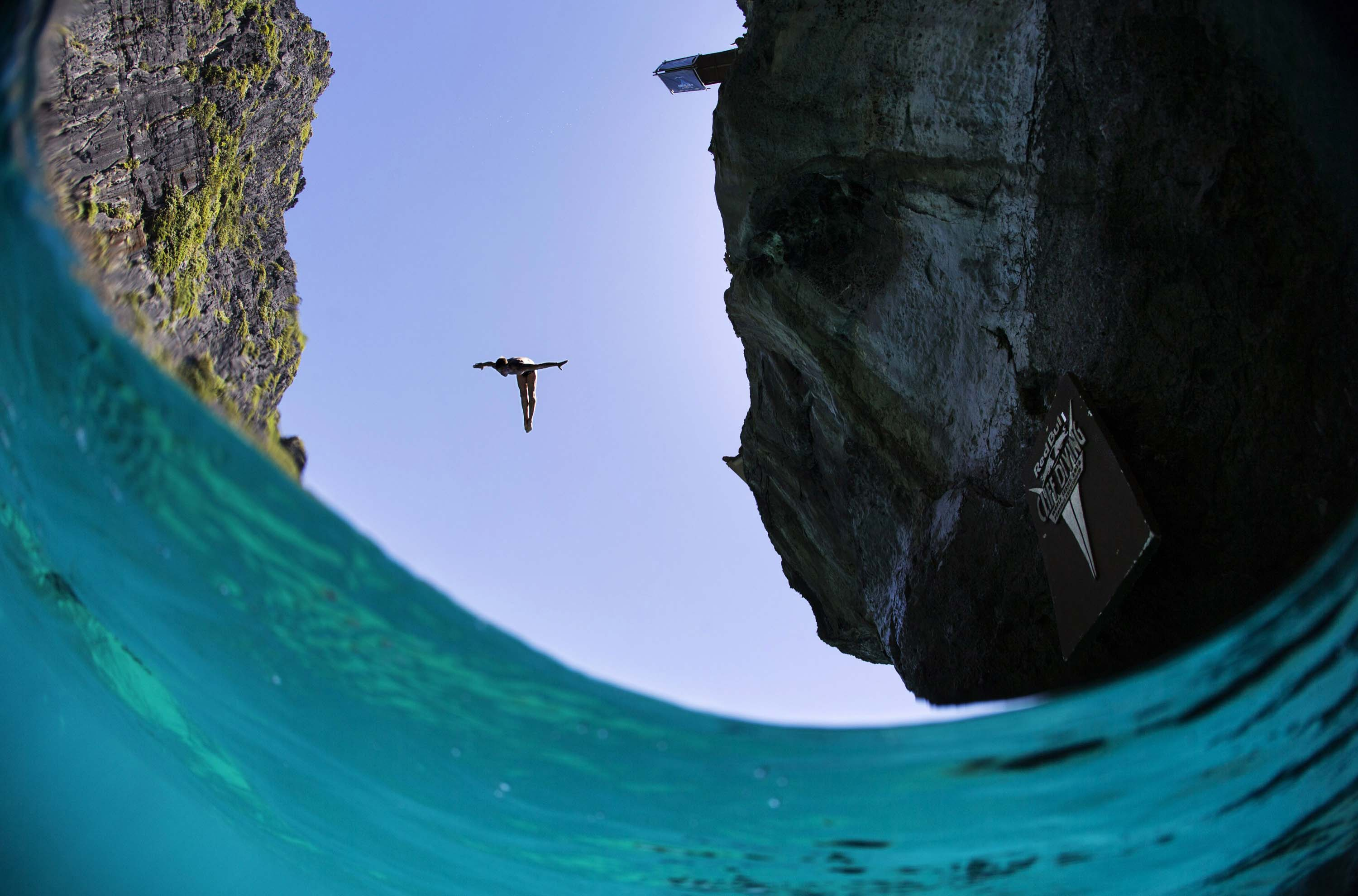 Gallery: Red Bull Cliff Diving World Series 2013 – Thailand