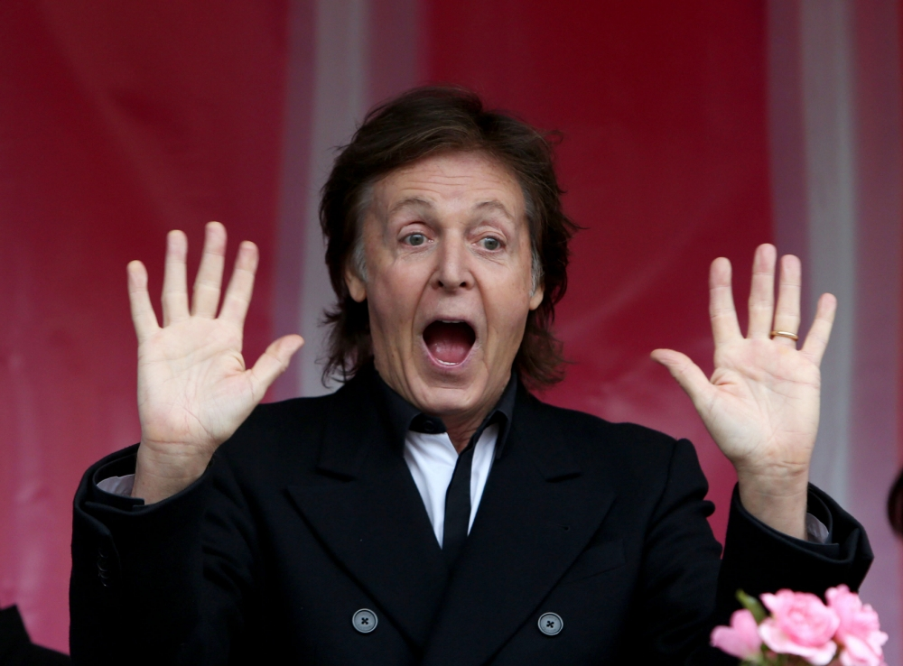 Paul McCartney stuns shoppers with unexpected Covent Garden gig