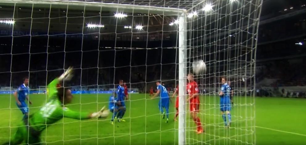VIDEO: Bayer Leverkusen go top of the Bundesliga after shocking 'ghost goal'