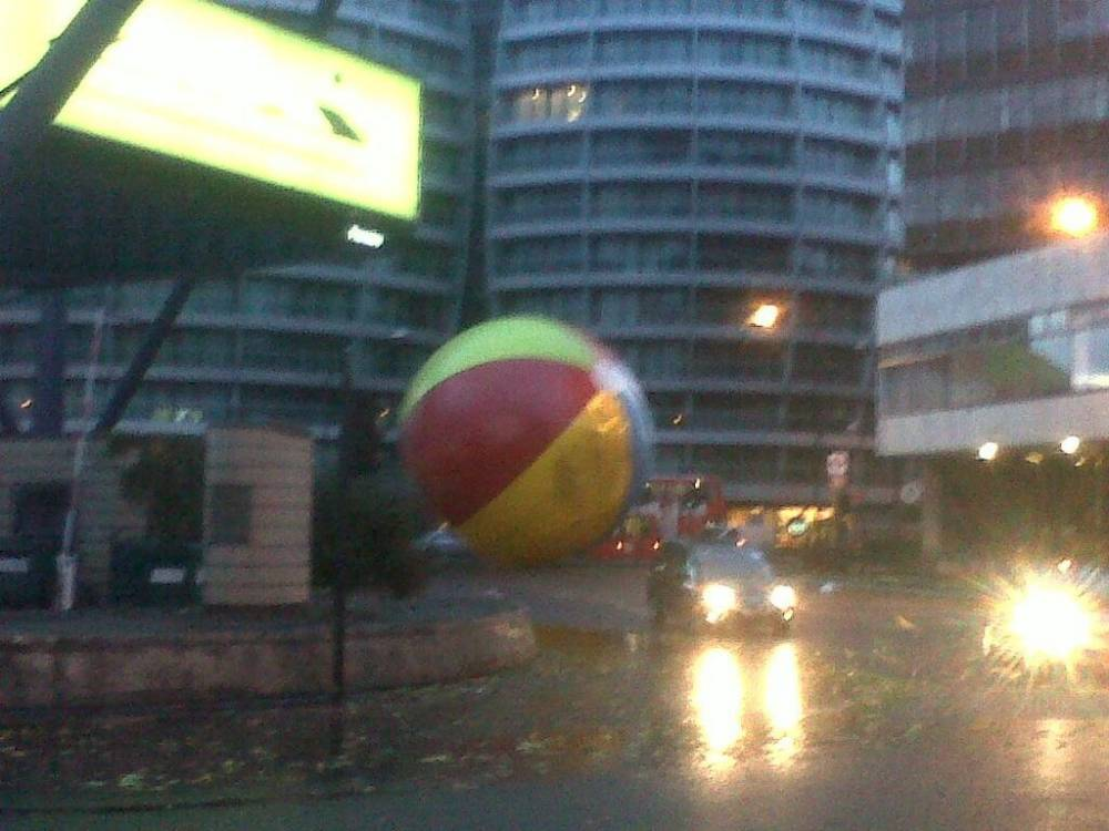UK storm: Giant beach ball on the loose in London