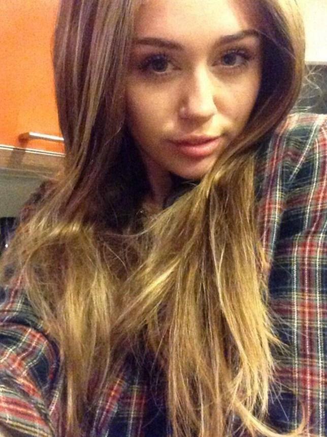 Miley Cyrus New Haircut Hannah Montana Is Back With Long Hair As Twerking Star Ditches Short Hair Crop Metro News