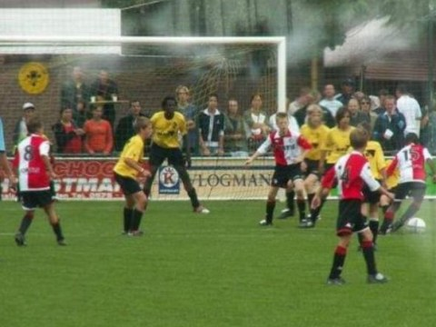 'Little' Romelu Lukaku towers over opposition in junior match between Lierse and Feyenoord – great picture