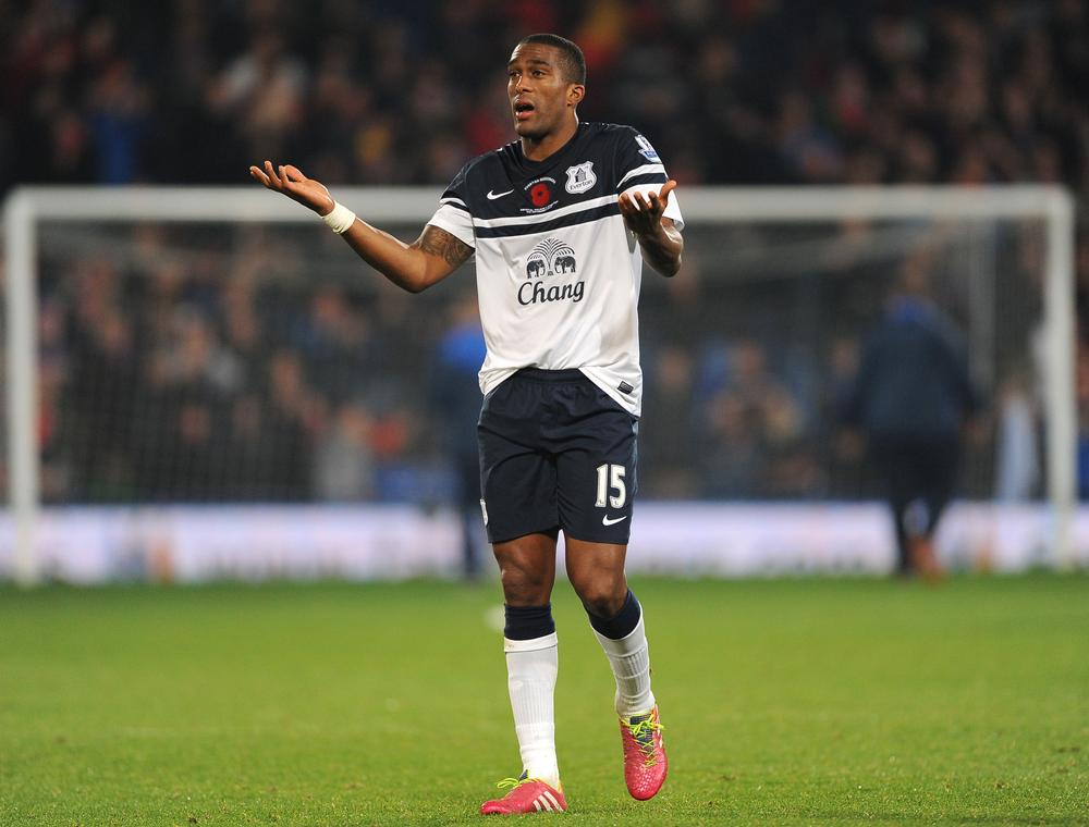 Everton's Sylvain Distin right to answer back to fans after Crystal Palace game