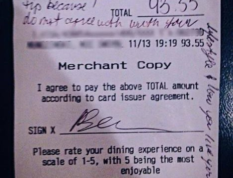 Waitress denied £10 tip and given rude note for being gay – internet responds in spectacular fashion