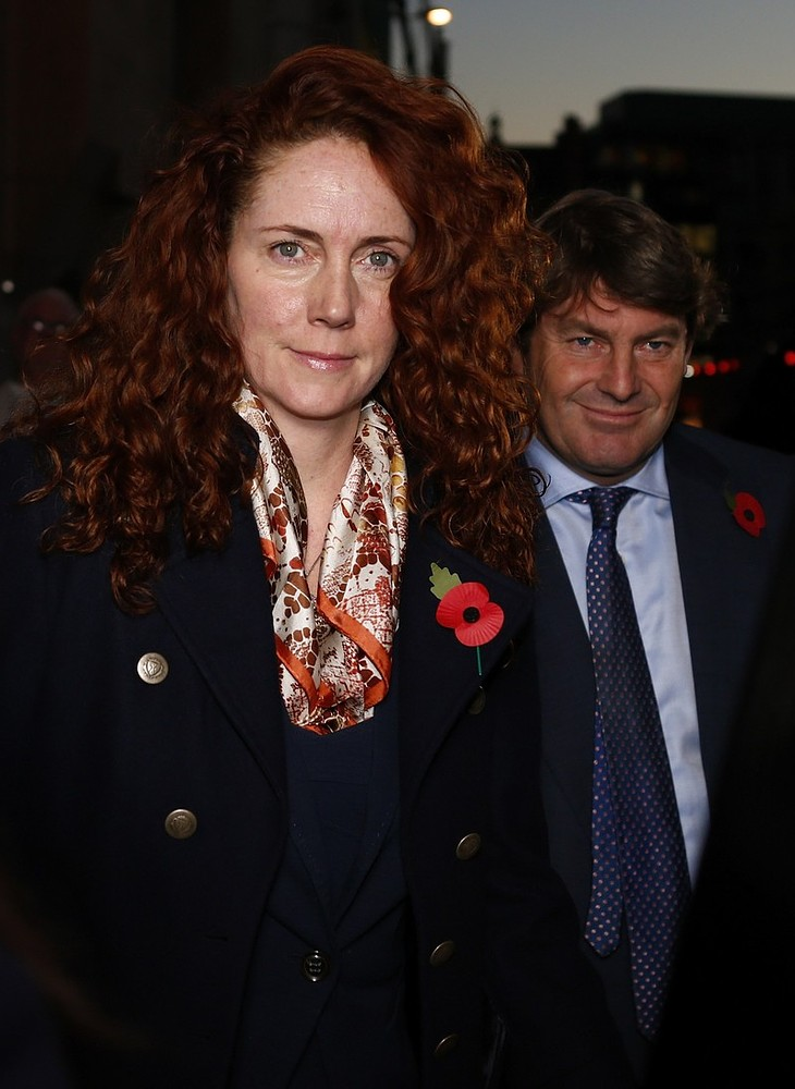 Rebekah Brooks security 'hid evidence from police in bin bags', phone hacking trial hears