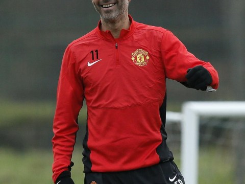 Ryan Giggs refuses to rule out racking up 1000 Manchester United appearances