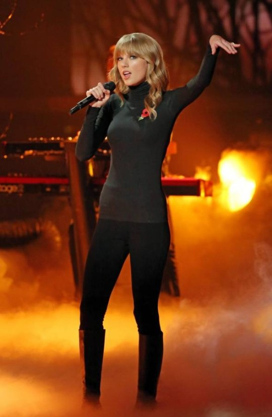 Taylor Swift And Gary Lightbody Disappoint With X Factor Performance Metro News