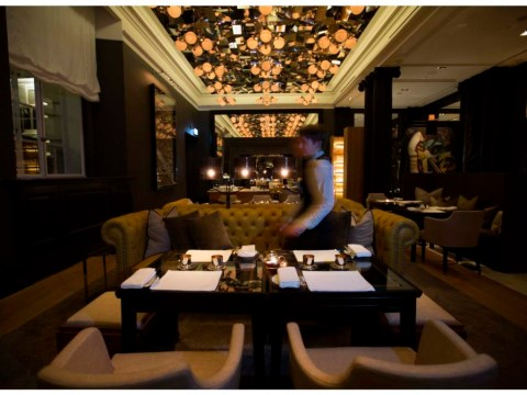 Mirror Room at The Rosewood hotel is socially inept dining