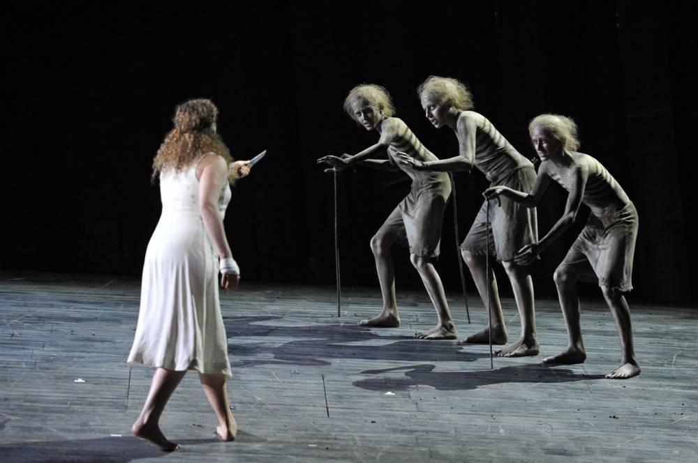 Simon McBurney's production of The Magic Flute opera needs more magic