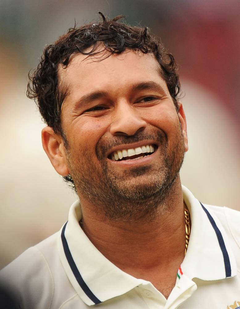 Sachin Tendulkar hailed by cricket greats on Twitter as he plays his final Test match for India against West Indies