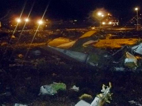 50 die as Boeing 737 crashes into runway