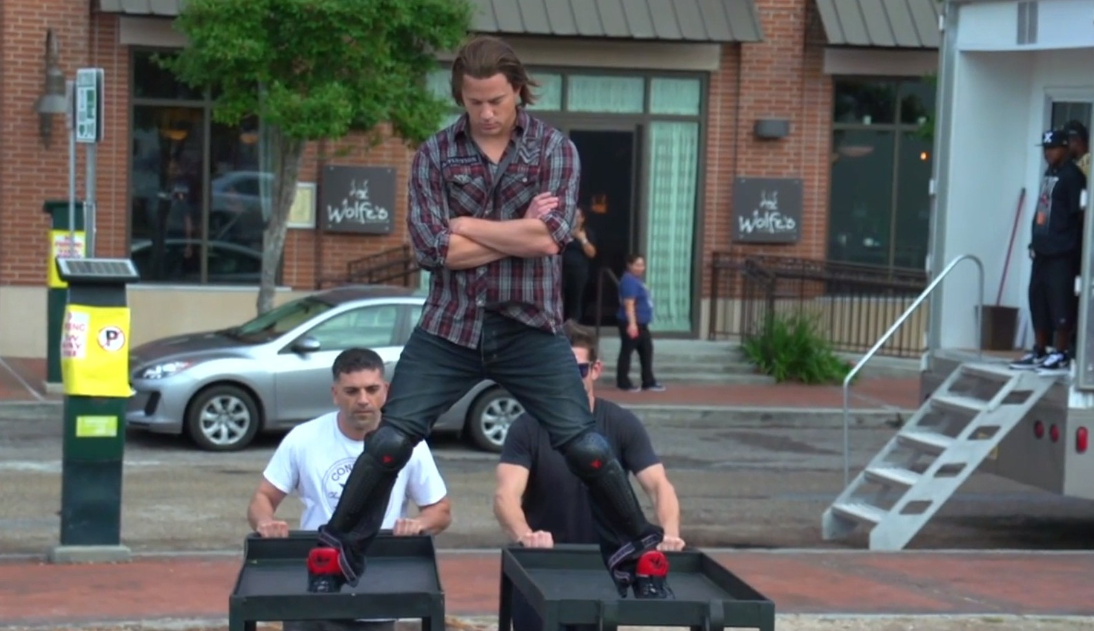 Channing Tatum tries to recreate Jean-Claude Van Damme's epic split but fails (Picture: YouTube)