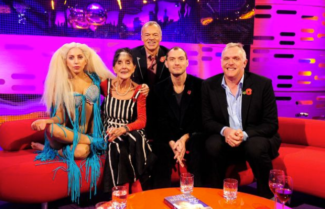 The pair appear alongside Jude Law and Greg Davies on Graham's sofa (Picture: PA)