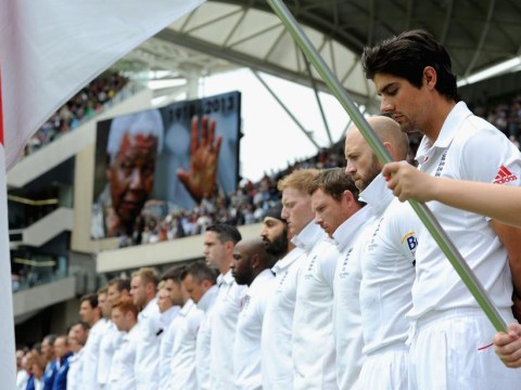 Ashes 2013-14: England and Australia pay Nelson Mandela respects with black armbands and minute's silence