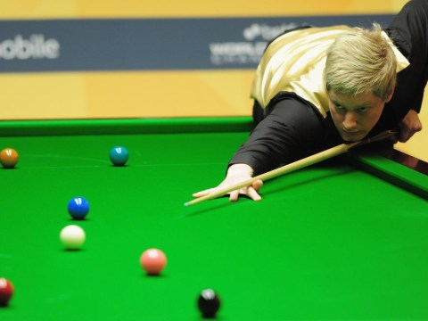 Neil Robertson comes from behind to see off Mark Selby and claim UK snooker title