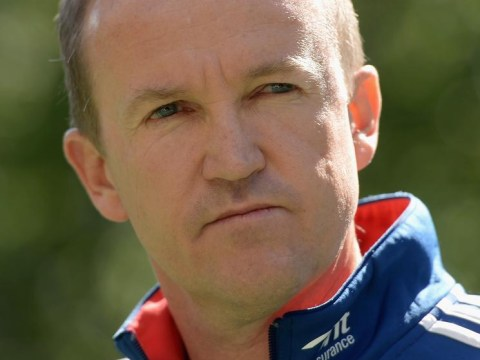 The Ashes 2013-14: Andy Flower keen to stay on as England coach