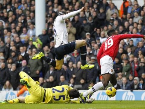 Andre Villas-Boas accuses Manchester United of diving as Danny Welbeck-won penatly denies Tottenham win