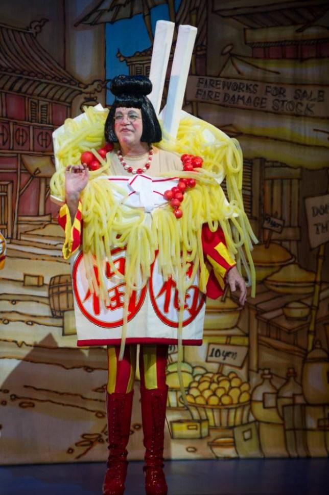 matthew Kelly as Widow Twanky in the New Wimbledon Theatre's Aladdin (Picture: Craig Sugden)