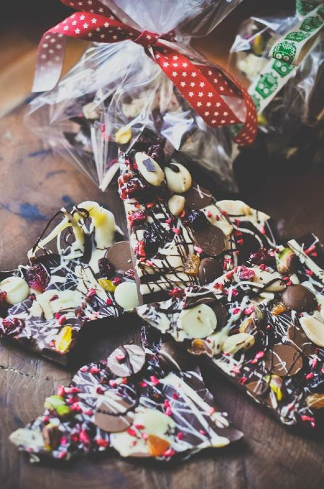 Home made Christmas present: How to make chocolate bark