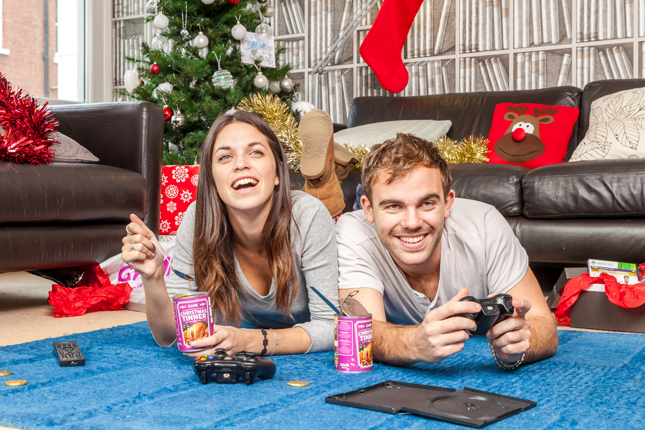 Christmas dinner in a tin for gamers who can't put down the controller