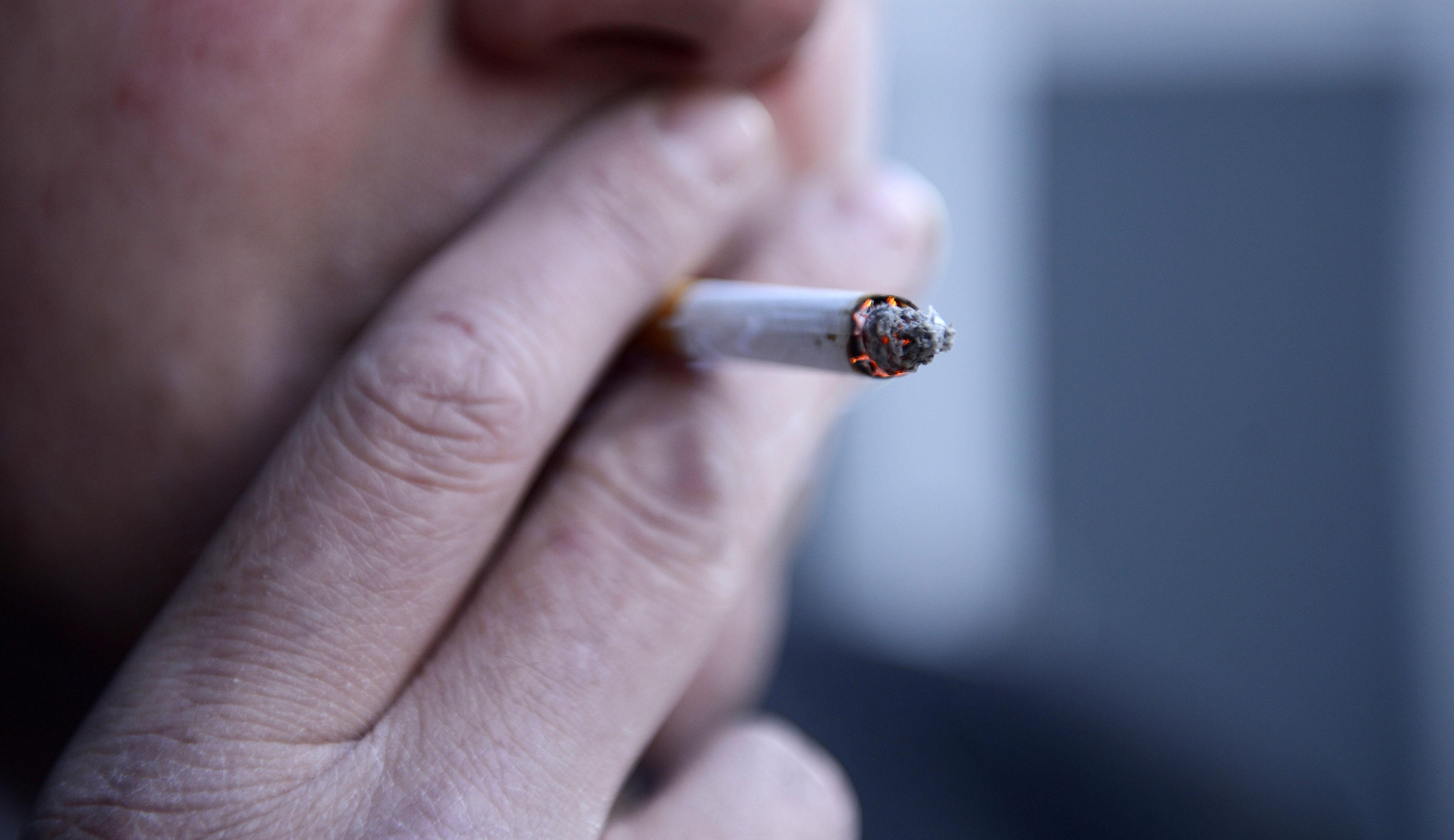 Smokers 'twice as likely' to suffer from depression