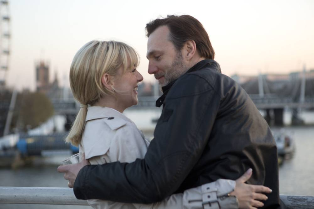 7.39 Sally Horn (Sheridan Smith) and Carl Matthews (David Morrissey) take a shine to each other on their commute (Picture: Giles Keyte)