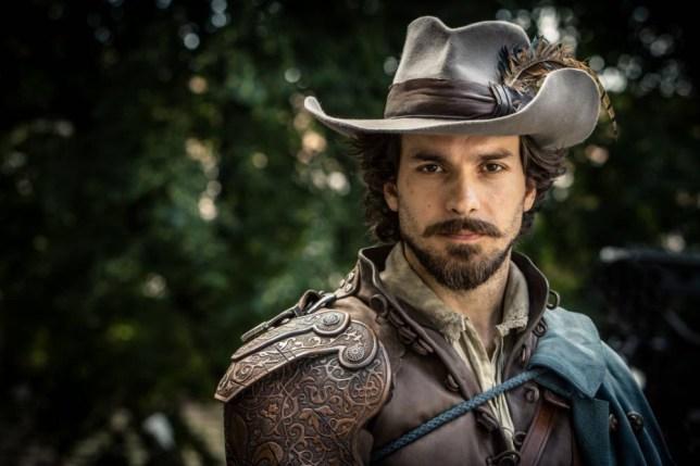 santiago cabrera actor