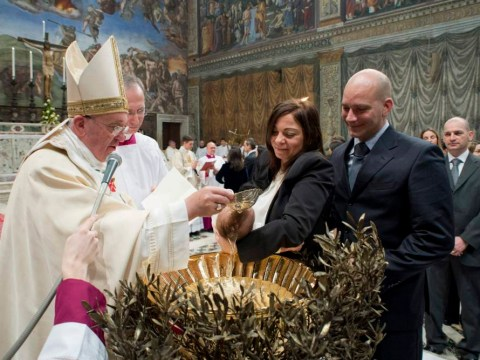 Pope Francis encourages mothers to breastfeed in Sistine Chapel