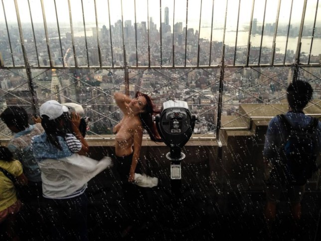 Shelby Carter topless: Photographer Allen Henson used for Empire State Building topless photoshoot