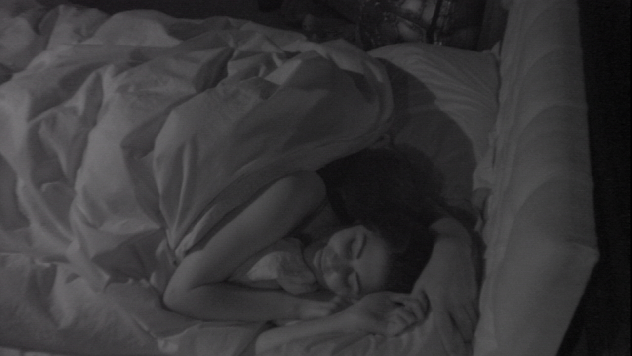 Celebrity Big Brother 2014 contestants Lee Ryan and Casey Batchelor have low-resolution cuddles in bed