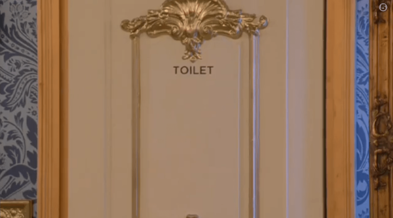 Lee Ryan and Casey Batchelor in the Celebrity Big Brother loo