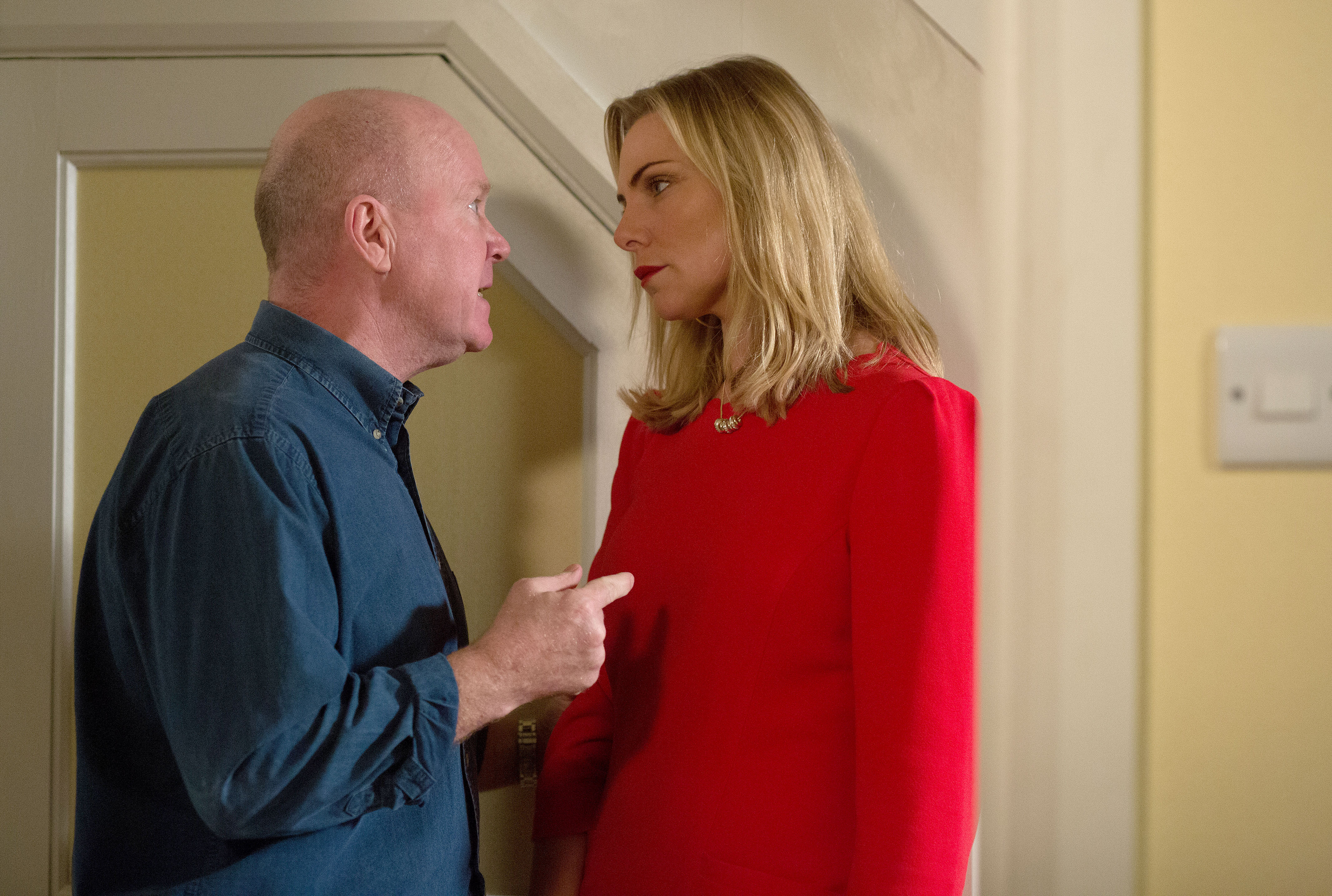 EastEnders: Ronnie Mitchell is in danger of becoming a cartoon villain
