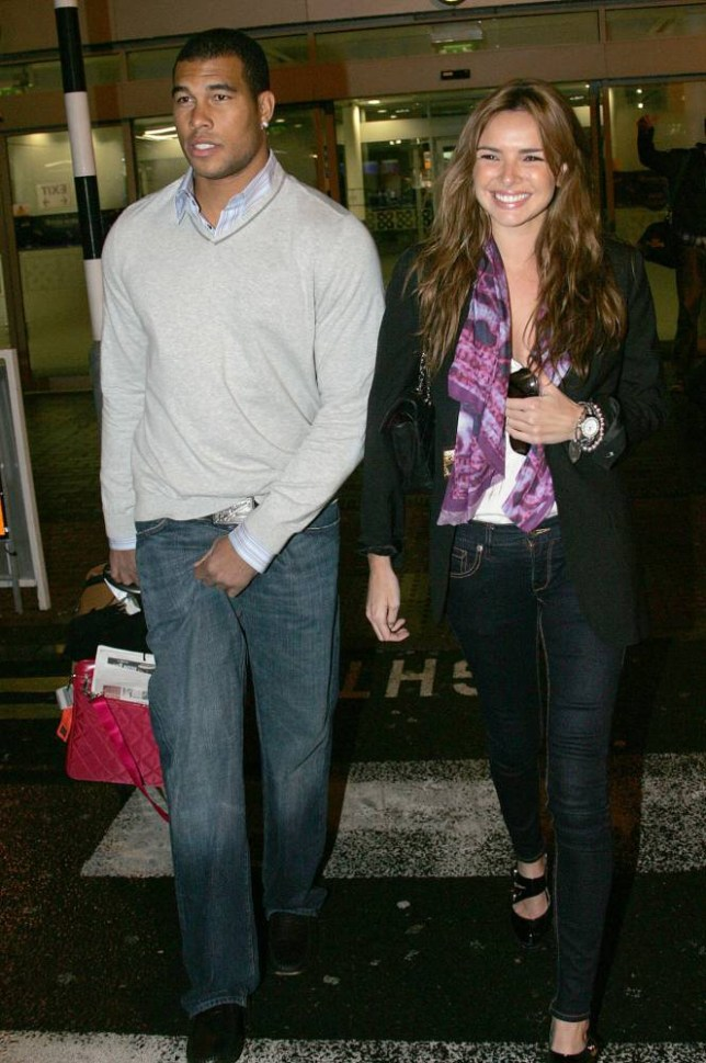 02 DEC 2009 - DUBLIN - IRELAND  NADINE COYLE AND HER BOYFRIEND JASON BELL ARRIVE IN DUBLIN!  ***NOT AVAILABLE FOR USE IN IRELAND***  BYLINE MUST READ : XPOSUREPHOTOS.COM  PLEASE CREDIT AS PER BYLINE *THIS IMAGE IS STRICTLY FOR PAPER AND MAGAZINE USE ONLY - NO WEB ALLOWED USAGE UNLESS PREVIOUSLY AGREED. PLEASE TELEPHONE 020 7377 2770 & +1 310 562 7073*