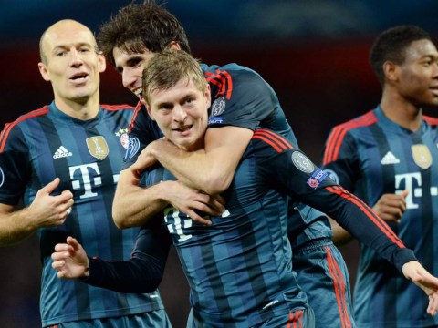 Toni Kroos offered £250,000 per week by Manchester United who are also linked with Barcelona's Alex Song