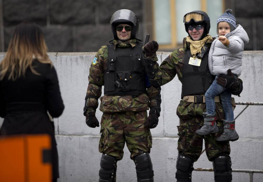 Kiev protesters vow: We're staying until the end