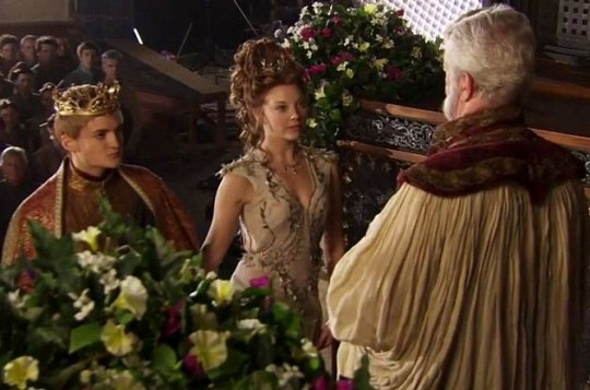 Game Of Thrones Purple Wedding.Game Of Thrones Season 4 Extended Preview Offers Glimpse Of Purple